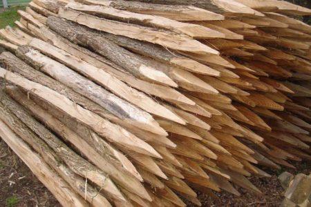 photos de piquets acacia-châtaignier fabriqués par j Patricot